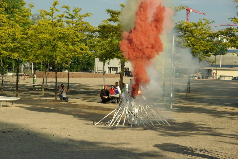 «Der Funke läuft weiter» - Installation und Intervention - Zürich Leutschenbach 2013